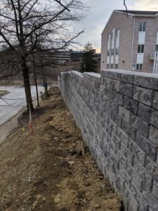 Concorde retaining wall installed at a commercial site east of Pittsburgh. Completed 2020
