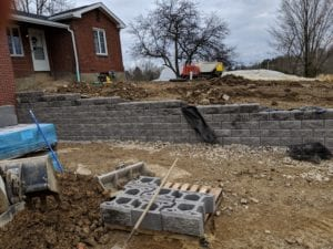 Keystone Compac III segmental retaining wall installation. Fox Chapel, PA
